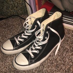 Like new* Black High top converse